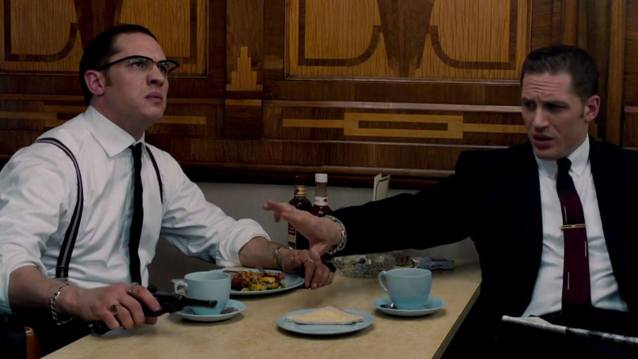 Dans Legend, Tom Hardy Joue le rôle de deux frères Gangsters aux personalités opposées