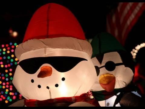 Christmas Carols - Up On The Rooftop/Housetop Lyrics
