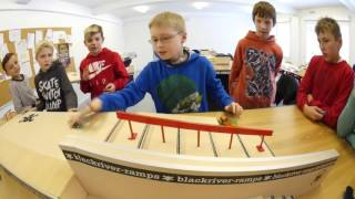 Fingerboarding in School - BEST TRICK CONTEST