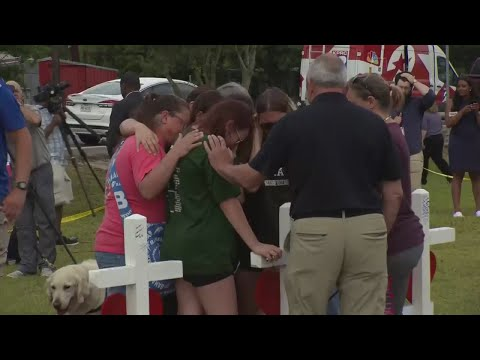 Community Mourns Death Of Students In Texas Shooting