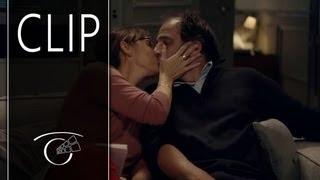 Repeat youtube video Joven y bonita - Clip 2 VOSE