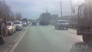 На трассе Тюмень-Омск у девушки начались роды