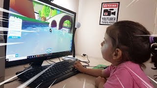 TEACHING URSULA to PLAY ADOPT ME AT ROBLOX-Facecam