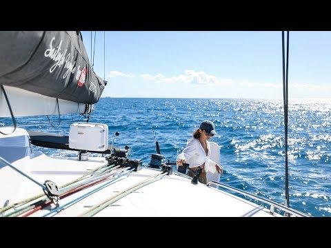 A Solo Mission in Paradise (Sailing La Vagabonde) Ep. 142
