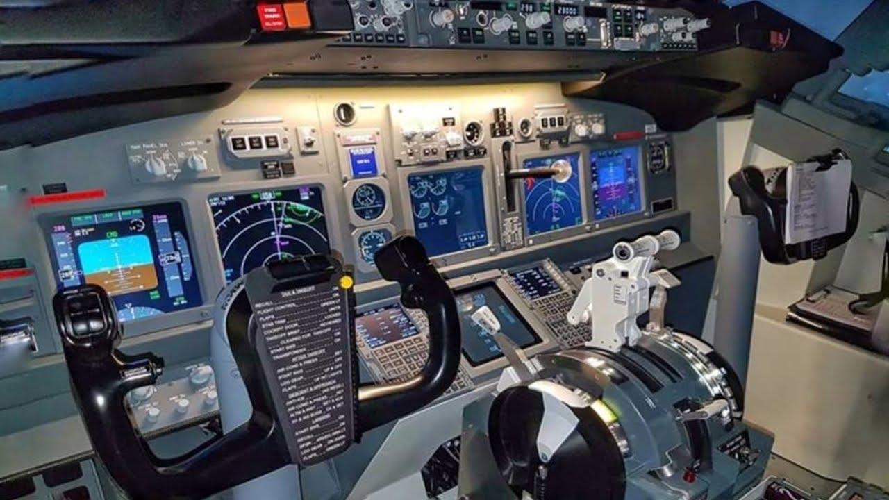 Boeing 737 Full Flight Sim Approach & Landing at Amsterdam Schiphol |  Cockpit View & Comms