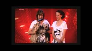 Canine Freestyle routine op The Bongo Song van Safri Duo tijdens de...