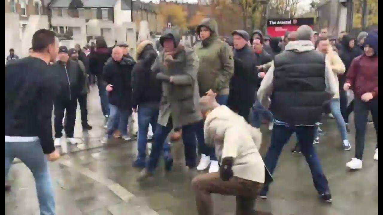 Arsenal vs Tottenham hooligans trouble - YouTube