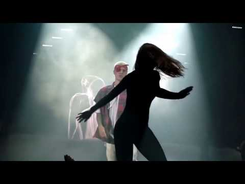Justin Bieber fails her Choreography during No Pressure