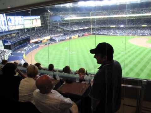 Tour of the AUDI CLUB at Yankee Stadium +Tips and Information - YouTube