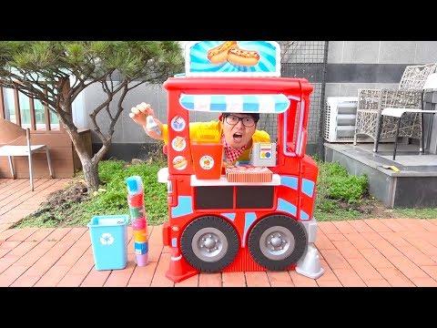 보람이와 또치의 수영장 마트놀이 Boram pretend play with magical toy food
