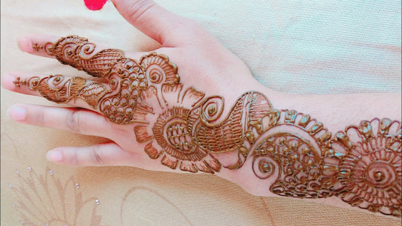 Attractive And Beautiful Mehndi Design