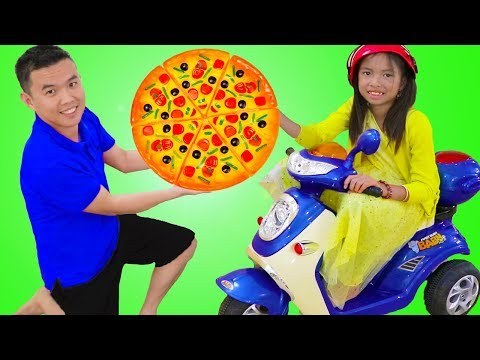 Wendy Pretend Play Kids Pizza Delivery Food Restaurant & Oven Toy w/ a Scooter
