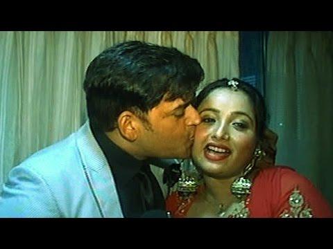 पार्टी के दौरान रवि किशन ने रानी चटर्जी को किया किस | OMG! Ravi Kishan Openly Kissed Rani Chatterjee thumbnail