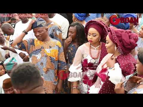 Pasuma Sings as Alaafin Of Oyo Sprays His Wives At Their 2 Twins Naming As They Dance Together