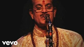 Kadri Gopalnath Raga Madhyamavathi Nagumomu Pseudo.mp3