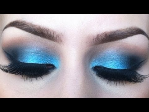 Vibrant blue eyeshadow tutorial l Sigma resort inspired look.