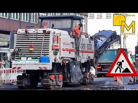 Wirtgen Asphaltfrase W2200 Beladt Lkw Im Strassenbau