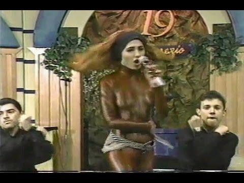 Flor Yvon en el XIX aniversario de Mira que bonito