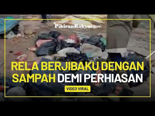 Tak Sengaja Buang Perhiasan Senilai Rp240 Juta, Perempuan di Malaysia Mengorek Tumpukan Sampah