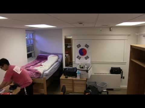 2014 - Dorm Room Move In: Time Lapse