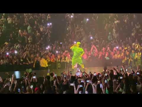 Billie Eilish - Bad Guy Live - Where Do We Go- World Tour. Miami, Florida March 9, 2020