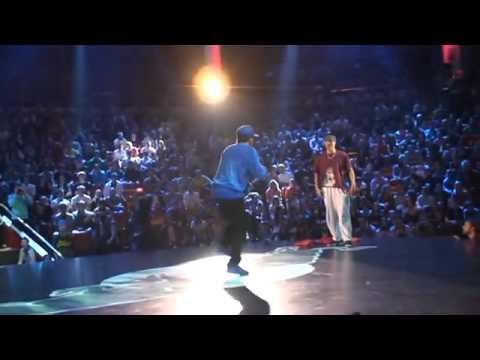 Màn thi đấu hiphop quốc tế của hot boy VN