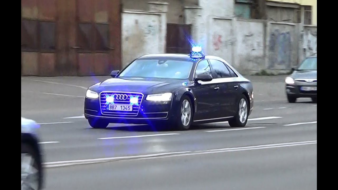Unmarked newer Audi A8 responding (government vehicle) in