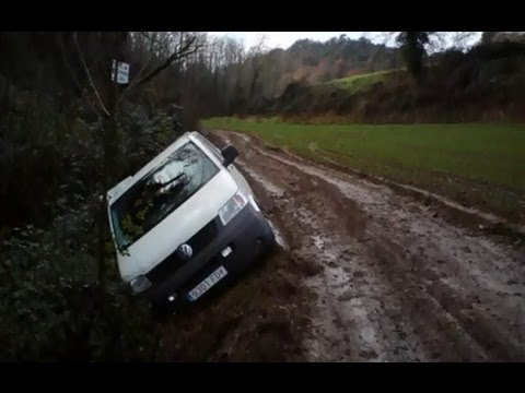Volkswagen T5 Transporter 4motion 4x4 Crash With Mud