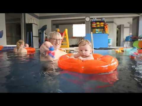 Круг для плавания с сиденьем Flipper SwimSafe надувной детский (с 3 месяцев)