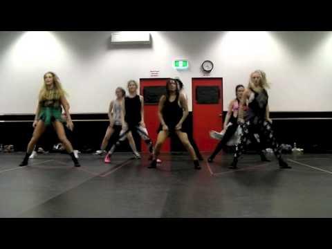 money make her smile - Bruno Mars Mash Class Choreo