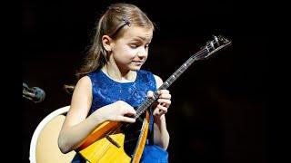 Анастасия Тюрина (балалайка) исполняет Концертные вариации на тему русской народной песни «Калинка»