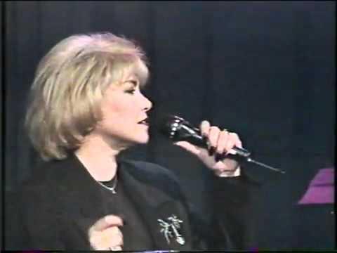 Estela Núñez CON LAS MANOS VACÍAS -Abr-1996-..mpg.flv