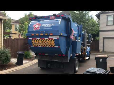Peterbilt Wayne Garbage Truck With Perkins PAS Arm