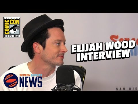 Elijah Wood Takes Over The Screen Junkies News Desk!! (Dirk Gently Cast Interview)