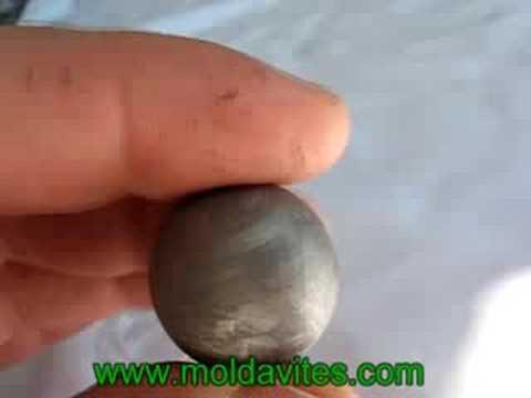 Meteorite 6 (www.moldavites .com)