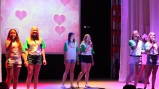 """Лагерь """"Городок Солнца"""" девочки 2 отряда поют песню """"Мы верим в любовь"""""""