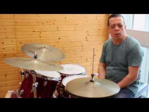 The New Drummer: Curso de Verano en la Escuela de Música Creativa con el baterista Marcelo Gueblón