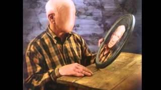 видео Болезнь Альцгеймера - начальные симптомы заболевания