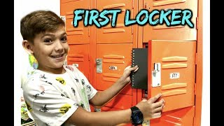 FIRST LOCKER Makeover & TOUR!