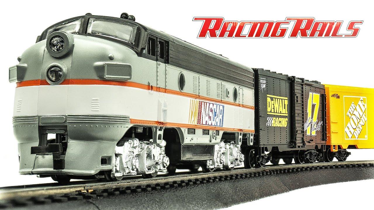 Vintage RacingRails HO-Scale NASCAR Freight Electric Model Train Set Unboxing & Review