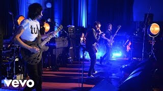 Kasabian - Goodbye Kiss in the Live Lounge