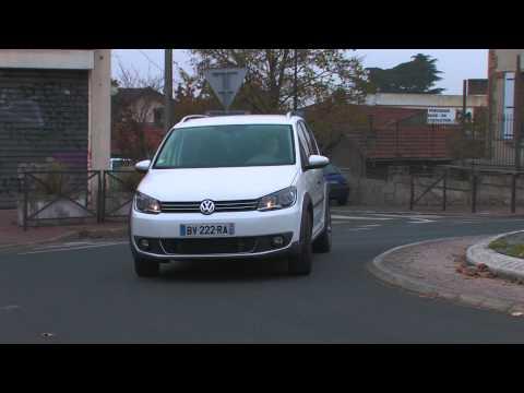Essai Volkswagen Cross Touran 2.0 TDI 140 2011