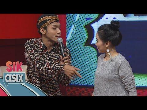 Ciee...  Ayu Ting Ting Dirayu Alif Rizki Pakai Lagu Akad Bahasa Jawa - Sik Asix (4/11)
