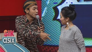 Ciee...  Ayu Ting Ting Dirayu Alif Rizki Pakai Lagu Akad Bahasa Jawa - Sik Asix (4/11) MP3