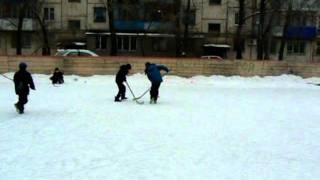 хоккей во дворе.mpg