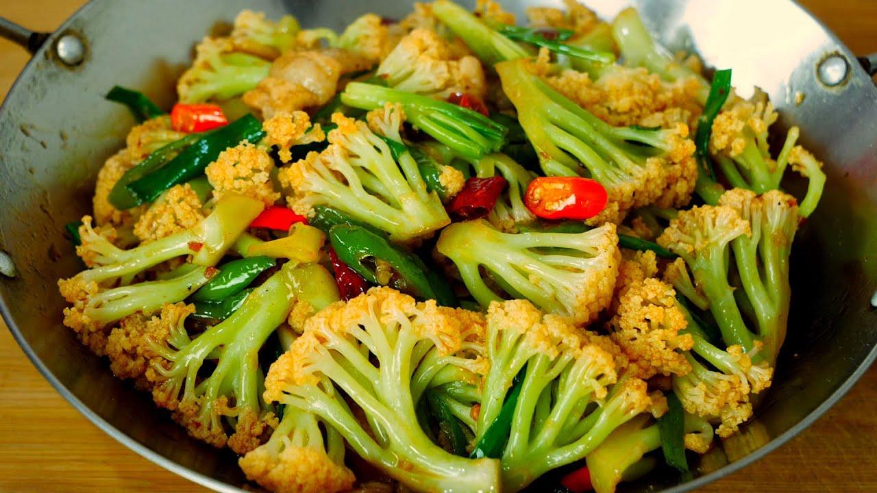 干锅花菜有人过油有人直接炒,大厨教你正确做法,鲜香爽脆超好吃Cauliflower in dry pot