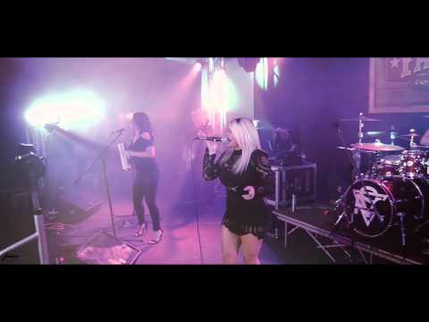 """Stefani Montiel """"Quien Quiere Shots?"""" Live Music Video"""