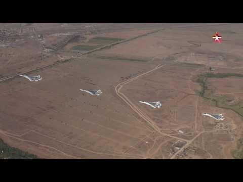 Полет четырех Су 57 и переговоры летчиков: эксклюзивные кадры