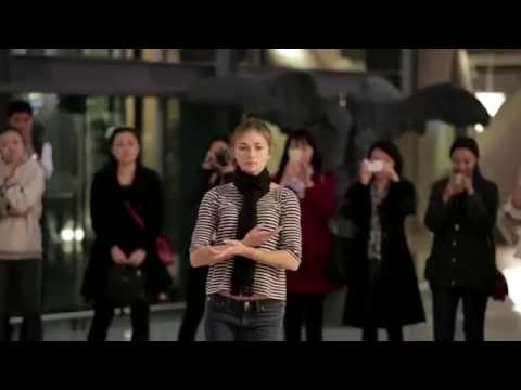 Flash mob by the Dutch National Ballet in Beijing's Parkview Green