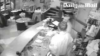 Attentat contre le restaurant Casa Nostra à Paris